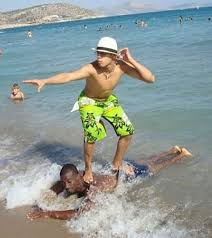 funny beach picture 2 bestfunnies