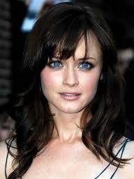 fair skin dark hair blue eyes makeup