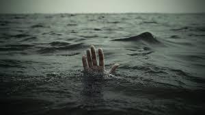 صور خلفيات حزينة هل هناك من يشاهدني اغرق صور حزينة Sad Images