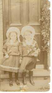 Ivy Edwards (left) and Alice Janet Edwards(right), cousins, in Princes  Street, Ramsey | Couples, Female | Ramsey and District