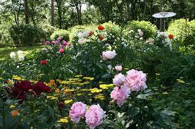 secret gardens around new england