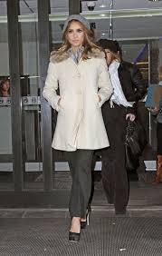 Jessica Alba Photos Photos: Jessica Alba Visits the Fox Studios in NYC |  Jessica alba, Fox studios, Cute outfits