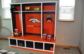 how to build a hutch