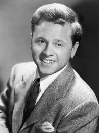 American Film and Stage Legend Mickey Rooney Dies at 93 | TheaterMania