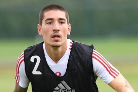 Arsenal defender Hector Bellerin top transfer target for Inter as ...