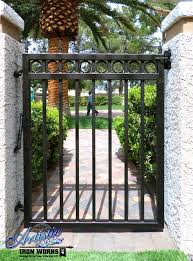 Wrought Iron Side Gate With Circles And Spear Finials Puertas De Jardin Rejas Para Casas Disenos De Verjas