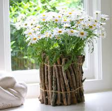 make a flower vase from twigs
