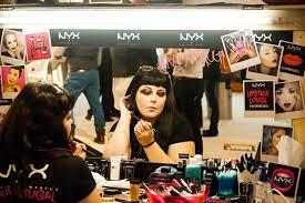 start a cosmetics pany