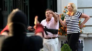 Ken and Karen' Go Viral After Pointing ...
