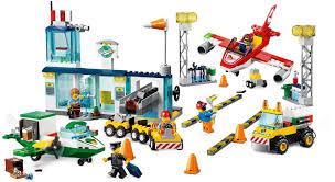 Đồ chơi lắp ráp LEGO Juniors 10764 - Sân Bay Trung Tâm Thành Phố ...