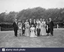 The wedding of Mr R Brown and Miss Myra Fox . The wedding party . 18 June  1938 Stock Photo - Alamy