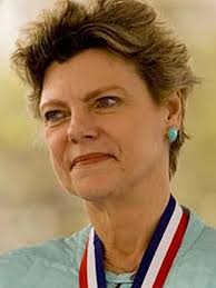 LISTEN: Journalist and political commentator Cokie Roberts dies | KOMO