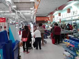 Stop ai negozi aperti di domenica, la proposta entusiasma i lavoratori
