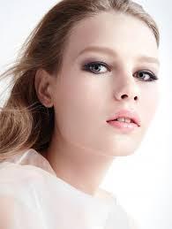 sofia mechetner models spring makeup