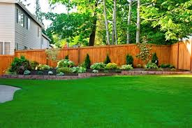 Great Idea For Flower Bed Along Our Back Fence Backyard Oasis Backyard Landscaping Backyard