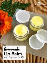 homemade lip balm with peppermint oil