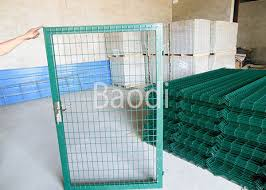 Green Pvc Welded Wire Mesh Fence With Gates Easily Installation 0 4 2 5m Height