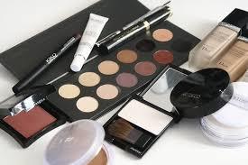 ways to reuse expired makeup