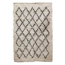 cream black diamond rug hubbers