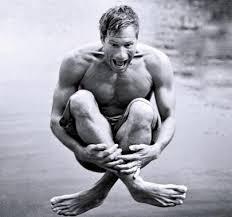 Aaron Eckhart's Feet << wikiFeet Men