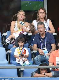 sasha watch their dad gerard pique