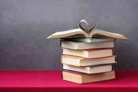 """読書は人生の答え合わせ」。""""本の虫""""になれない書店員の私を救った ..."""
