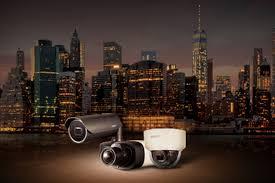 La nueva función Wisenet extraLUX de Hanwha Techwin, permite a las cámaras  de la popular Serie X, capturar imágenes nocturnas a color - Revista  Innovación Seguridad