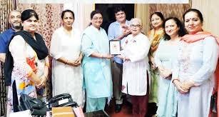 IWC Jammu Tawi president, Pooja Malhotra honouring DHS Jammu, Dr Renu  Sharma . - Jammu Kashmir Latest News   Tourism   Breaking News J&K
