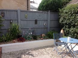 Grey Fence White Walls Garden Fence Paint White Garden Fence Backyard Garden Design
