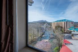 pigeon forge tn rooms river bend inn