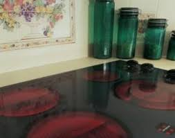 how to clean a glass cooktop that is