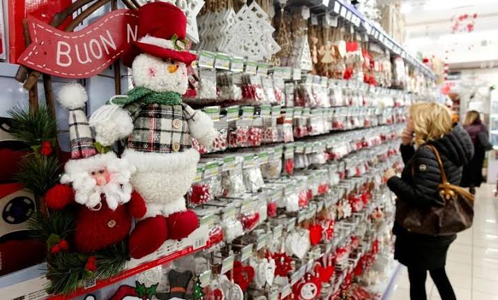 """Image result for I'm dreaming of a green Christmas: UK firm urges clampdown on waste"""""""