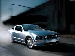 ford mustang gt 2005 pictures