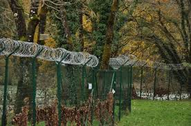 In Slovenia A Shameful Fence At The Croatian Border 1 3 Infomigrants