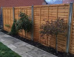 Fitted Concrete Fence Posts And Wooden Panels In Hook Hampshire Surrey No1 Handyman
