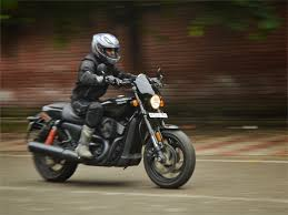 harley davidson street rod 750 review