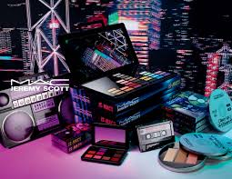 jeremy scott is collaborating with mac