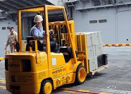 File:US Navy 080831-N-9740S-009 viation Boatswain's Mate (Handling ...