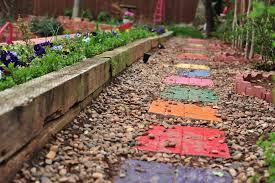 make garden stepping stones in 15 easy