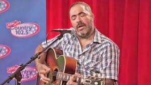 This Haunting Performance Of Aaron Lewis' 'Mama' Will Rip Your ...