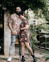Gopi Sunder shares a romantic picture with Hiranmayi - Tamil News -  IndiaGlitz.com