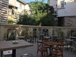 garden picture of 5l speakeasy bar