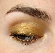 a super easy gold eye makeup look to