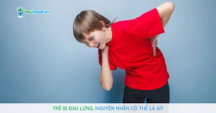 Trẻ bị đau lưng, nguyên nhân có thể là gì? - YouMed