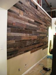 What They Did With A Fence They Took Out Of The Trash Is Inspired Reclaimed Wood Accent Wall Wood Accent Wall Plank Walls