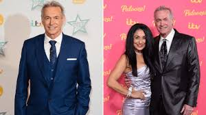 How old is Dr Hilary Jones and who's his wife as GP celebrates ...