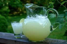 quick limonada lemonade or limeade