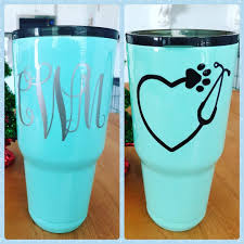 Tumbler With Monogram And Decal Coated In Epoxy To Give It That Shine So It Ll Last Foreverrrrr Without Ever Having To Worry About It Pe Tumbler Crafts Epoxy