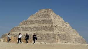 Egitto, riapre la piramide di Djoser: salva la più antica delle ...