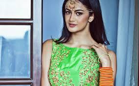 تحميل خلفيات شبرا Aiyappa الممثلة الهندية التقطت الصور بوليوود